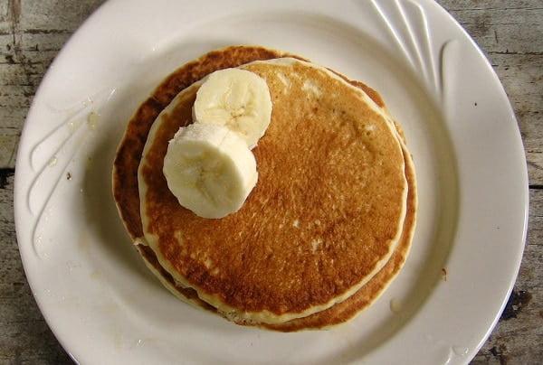 Bananen pannenkoeken met slechts 2 ingrediënten!