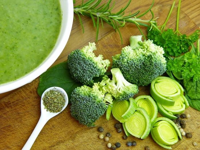 6 heerlijke eiwitrijke soepen voor de koude wintermaanden!