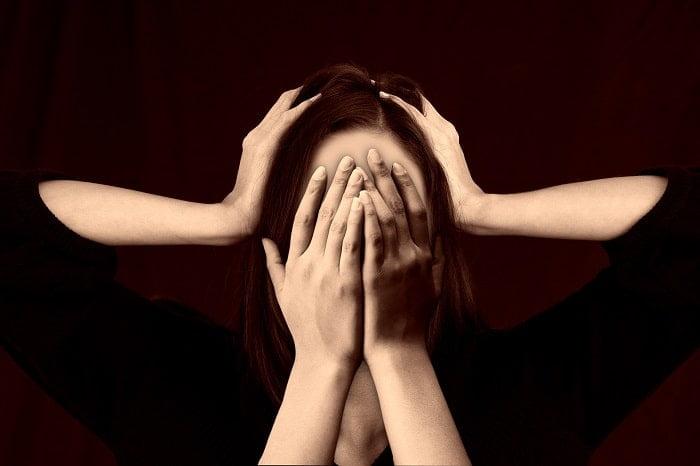 Migraine en voeding: hoe je dieet aanvallen verergert en voorkomt!