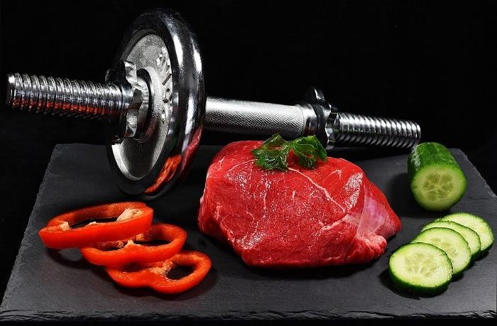 De juiste voeding bij krachttraining: hier moet je op letten!
